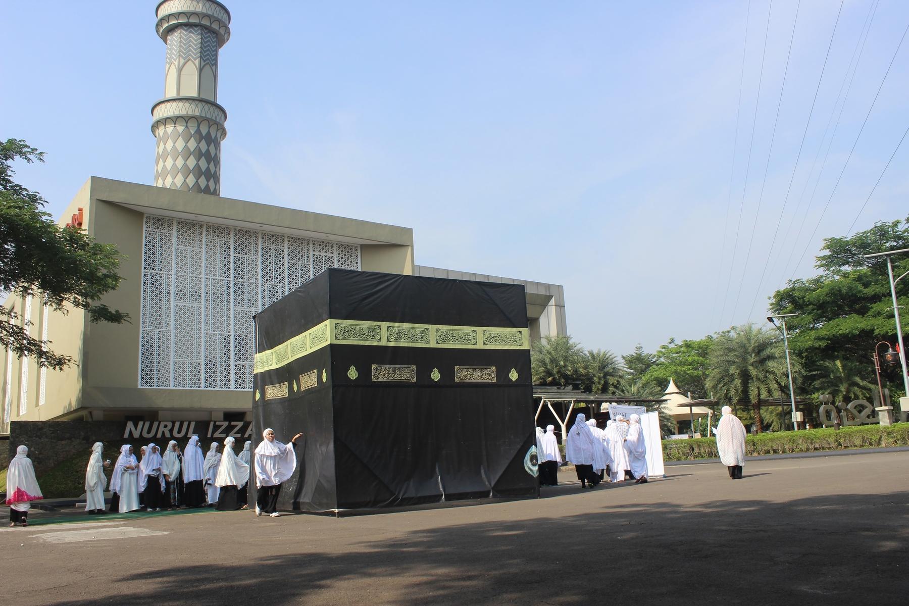 Siswa-Siswi Sekolah Insan Cendekia Madani Semangat Ikuti Manasik Haji